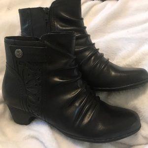Rockport black booties 8